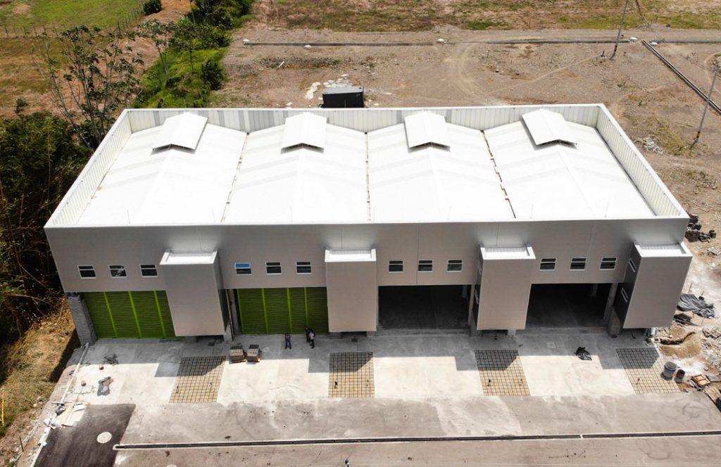 vista superior fachada y techo construida por Doblamos